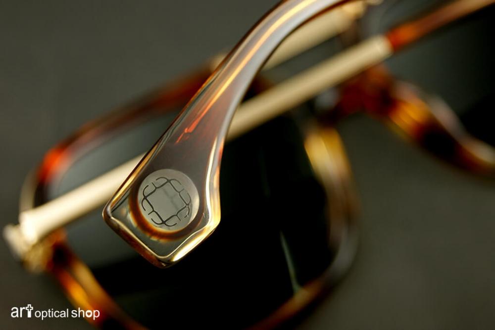 black-kuwahara-sunglasses-forster-amber-horn-010