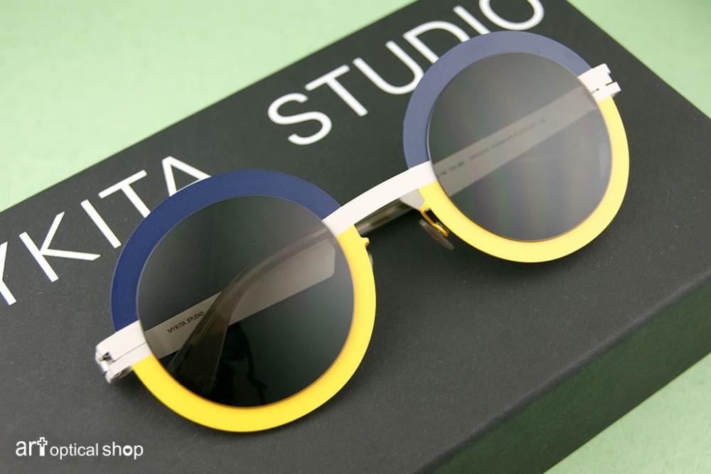 mykita-studio-sun-4-3-s9-sunny-sky-sunglasses-003