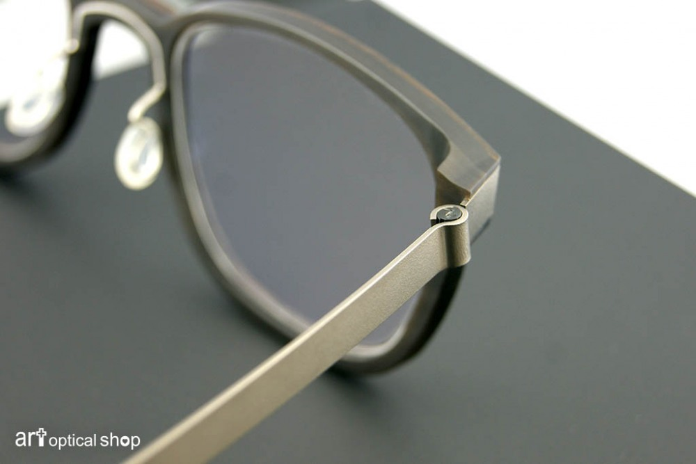 lindberg-buffalo-wood-titanium-open-108