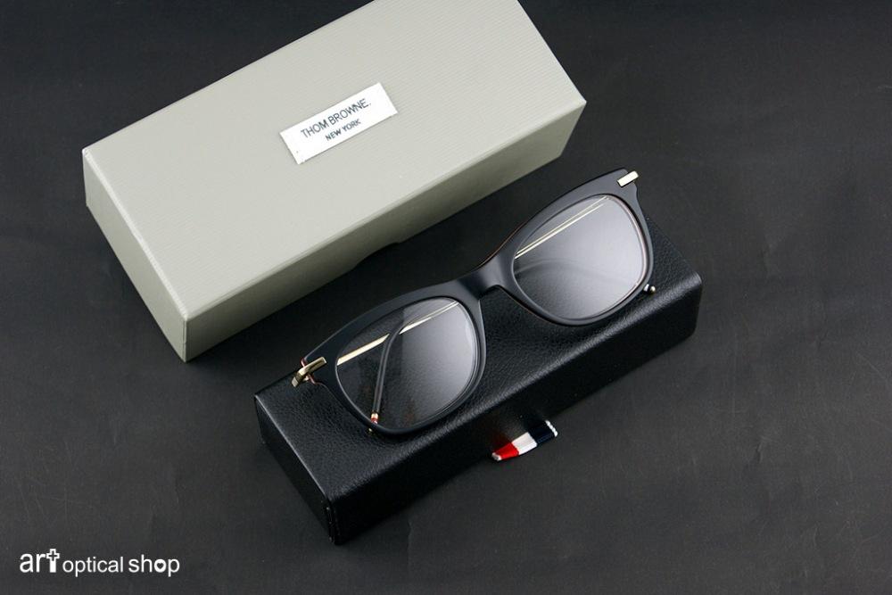 thom-browne-tb-712-a-black-gold-52-001